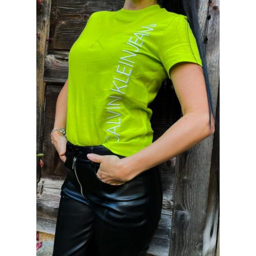 Limetkové tričko s vertikálnym logom Calvin Klein